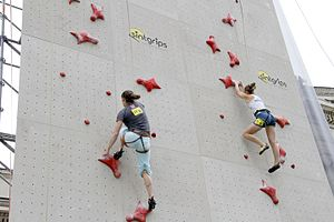 Climbing competition - Speed climbing with two lanes