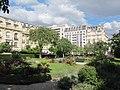Square des Écrivains-Combattants-Morts-pour-la-France, Paris 16e 2.jpg
