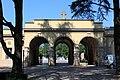Städtischer Friedhof Bozen - Haupteingang von innen.JPG
