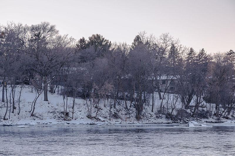 File:St. Cloud Winter Riverfront - Minnesota (24185300296).jpg