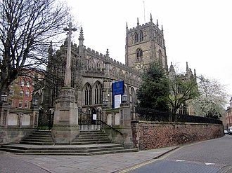 St Mary's Church, Nottingham - St Mary's Church, Nottingham and the County War Memorial, Nottingham