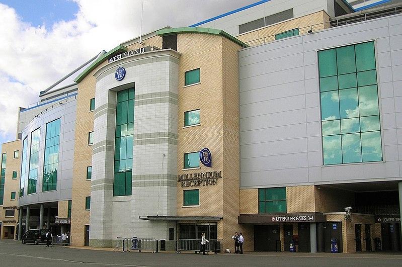 Liga Uno |Chelsea FC| 800px-Stamford-Bridge,WestStand_entrance,_day