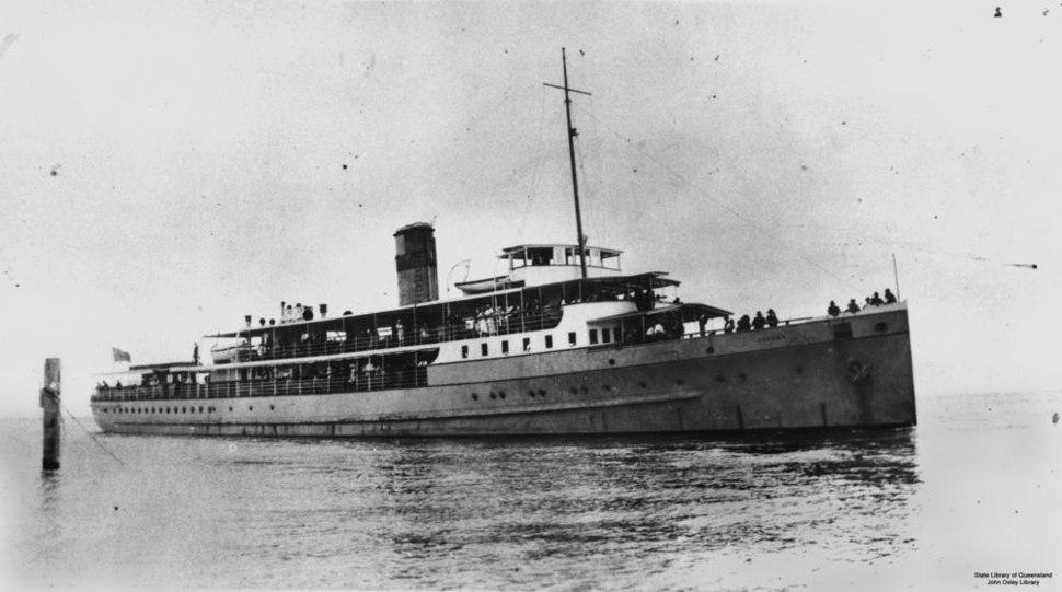 StateLibQld 1 14390 Passenger ferry S.S. Doomba