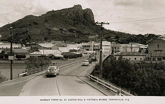 Victoria Bridge, Townsville - Image: State Lib Qld 1 231273 Castle Hill viewed above the Townsville township, ca. 1955