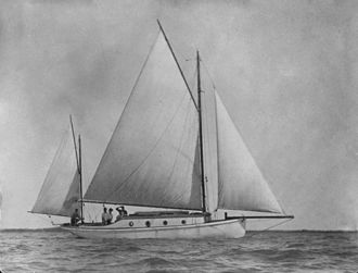 Moreton Bay - Sailing on Moreton Bay in 1915
