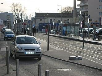 Station Roustaing (Tram de Bordeaux) - Station Roustaing