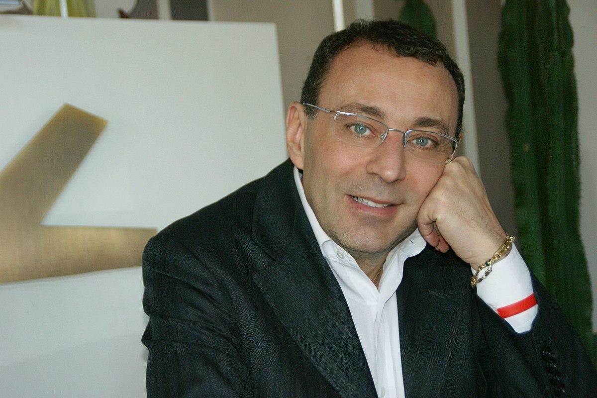 Stefano esposito wikipedia for Repubblica parlamentare italiana