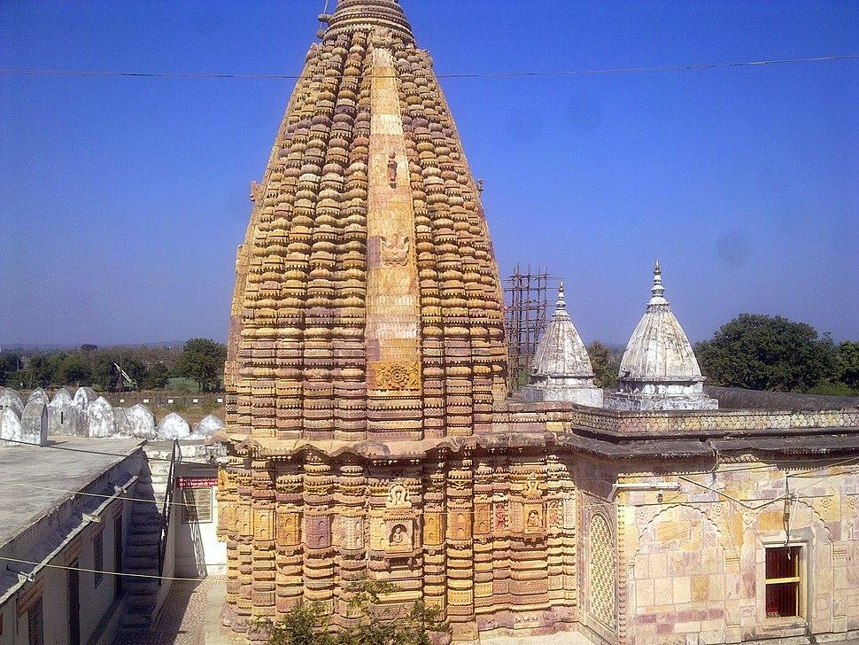 Summit of Shantinath Jain Mandir, Ramtek. - panoramio