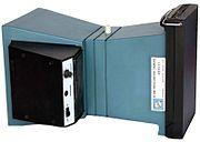 Câmera de osciloscópios da Tektronix® Modelo C-5A com pacote de filmes Polaroid instantâneos atrás.