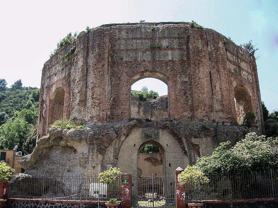 Tempio di Venere (Baia) 1