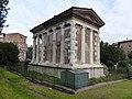 Templo de Portuno, Roma, 2017 05.jpg