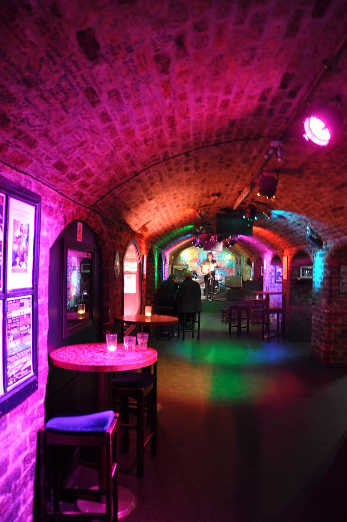 File:The Cavern Club interior 2, Mathew Street, Liverpool ...