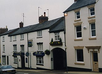 Daventry - The Dun Cow, an old coaching inn, a grade II listed building