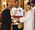The President, Shri Pranab Mukherjee presenting the Padma Shri Award to Shri Mohan Reddy Venkat Rama Bodanapu, at a Civil Investiture Ceremony, at Rashtrapati Bhavan, in New Delhi on March 30, 2017.jpg