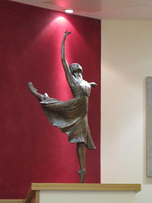 Alessandra Ferri - Statue of Alessandra Ferri as 'Juliet' by Nathan David inside the Royal Ballet School