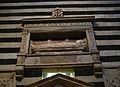 Tomba del bisbe Tommaso Piccolomini, de Neroccio, catedral de Siena.JPG