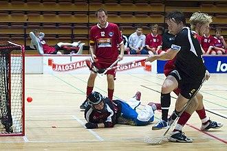 Salibandyliiga - TPS come close to scoring against FBT Pori in the 2005-06 season.
