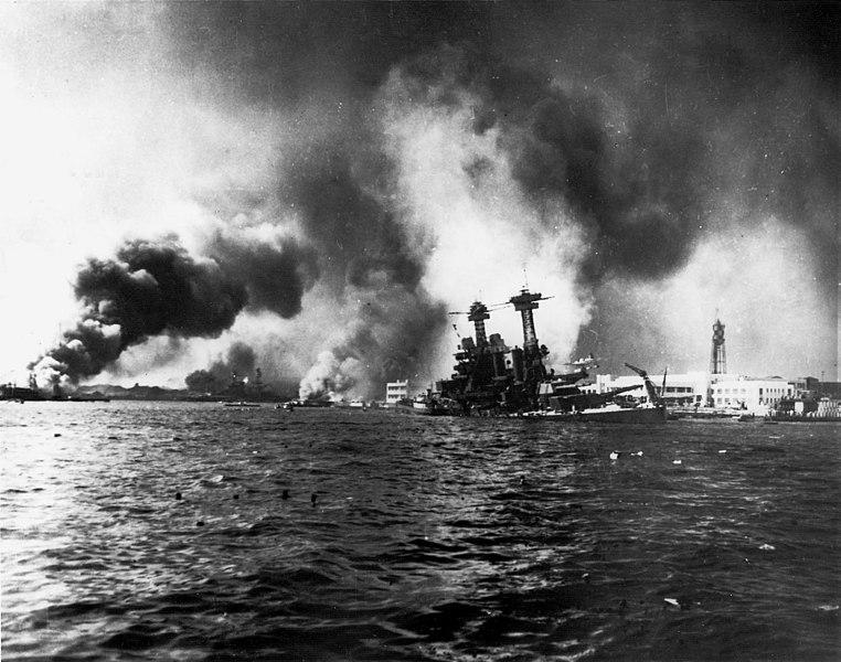 ملف:USS California sinking-Pearl Harbor.jpg