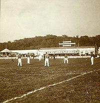 Uit een foto-album met 57 afbeeldingen van de Tweede Nationale Sportdagen van 26 – F42564 – KNBLO.jpg