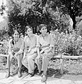 Uitstapje van jeugd uit een kibboets Drie joodse meisjes uit India, Bestanddeelnr 255-4486.jpg
