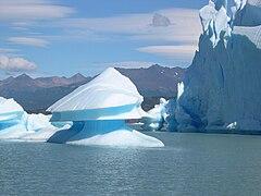 240px Upsala glacier near icebergs