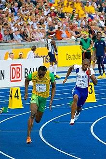 Usain Bolt corre la gara da primato dei 200 m di Berlino 2009.
