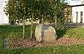 Vertriebenendenkmal Gehrden gesamt.jpg