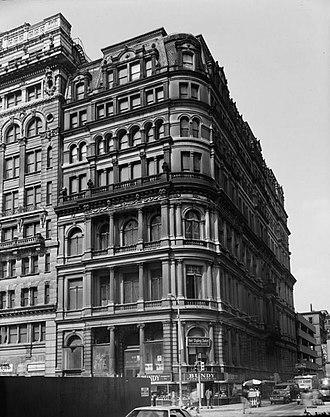 New York Mutual Life Insurance Company Building - New York Mutual Life Insurance Company Building, HABS photo, 1975