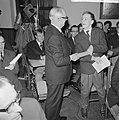 Visser Neerlandia prijzen uitgereikt, v.l.n.r. prof.dr. Libbe van der Wal, mr. H, Bestanddeelnr 917-4529.jpg
