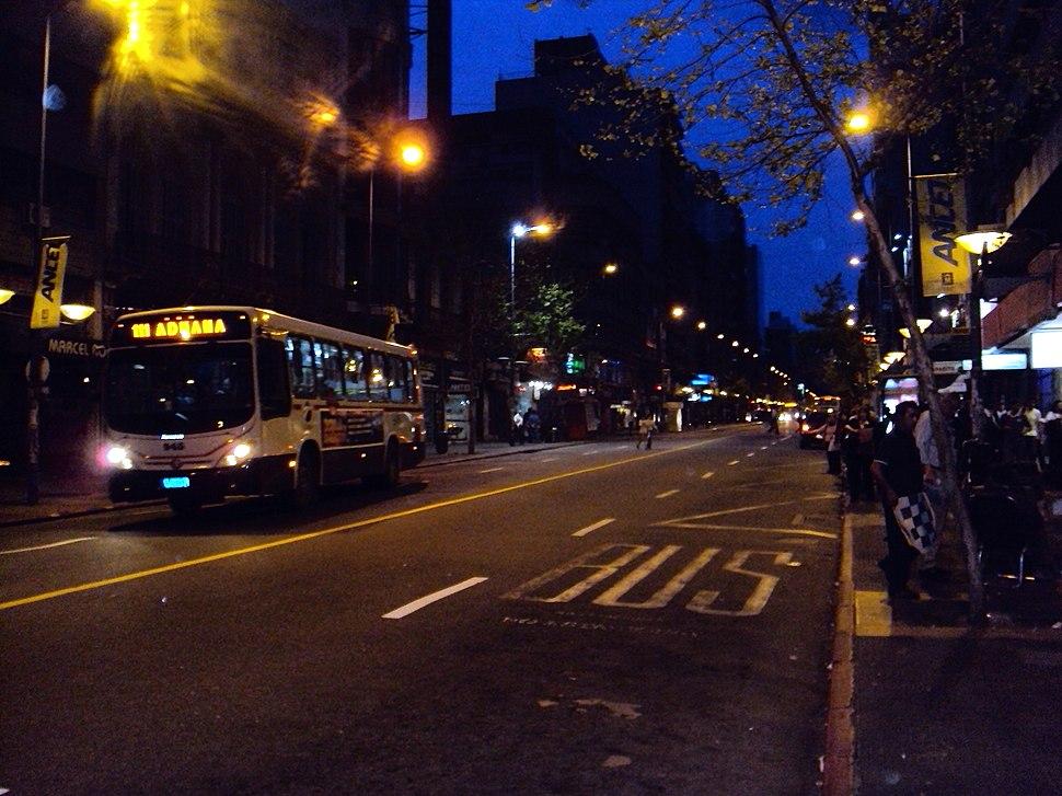Vista Calle 18 de Julio atardecer - panoramio