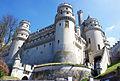 Vue de la porte basse du Château de Pierrefonds.jpg