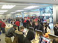 W środku Apple Store 5th Ave - panoramio.jpg