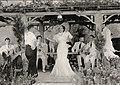 Wallace Donnet dirigindo Carmen Miranda em Alô, Alô Brasil.jpg