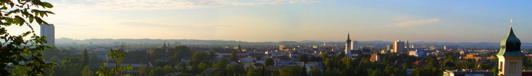 An overview of Wels at dawn.