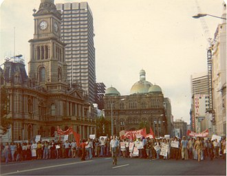 1975 Australian constitutional crisis - Protest in George Street, Sydney, outside the Sydney Town Hall, about 6.45 pm 11 November 1975 following news of the dismissal.