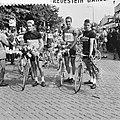 Wielrennen, de Acht van Chaam, links Jef Planckaert in nationale driekleur van B, Bestanddeelnr 934-6390.jpg