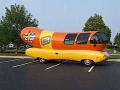 Wienermobile 001 (1003220140).jpg