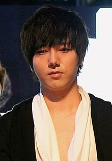 Yesung at Mnet Asian Music Awards (MAMA) in Singapore, 29 November 2011 01.jpg