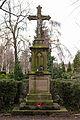 Zentralkreuz Friedhof Ruengsdorf Bad Godesberg.jpg