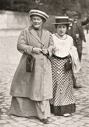 Communist Women's International - Veteran German Marxist Clara Zetkin (left) was the first head of the Communist Women's International.