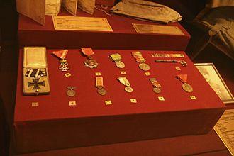 Şefik Aker - Şefik Aker's medals at the Istanbul Military Museum.
