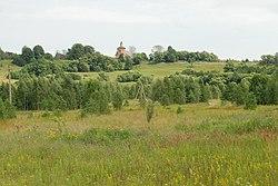 Ленск (Богоявленское, Мосал.). Вид на Богоявленскую церковь из-за Рессы..JPG