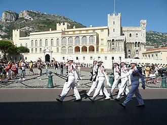 Охрана на дворцовой площади