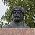 Памятник Ленину, г. Олонец. Крупный план.jpg