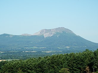 Mount Usu - Viewed from the SSE.