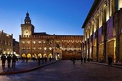 --Piazza Maggiore--.jpg