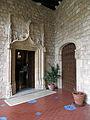 073 Castell de Santa Florentina (Canet de Mar), entrada al saló des de la galeria.JPG