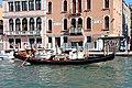 0 Venise, gondolier sur le Grand Canal - Fondamenta San Simeone Piccolo.JPG
