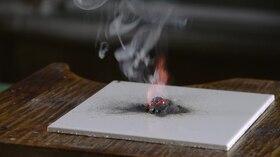 Tiedosto: 16.  Реакција меѓу силно оксидационо ja редукционо средство.webm