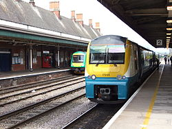 175105 at Hereford railway station - DSCF1884.JPG
